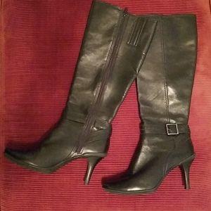 Gianni Bini Black Leather 8.5 Boots - heeled